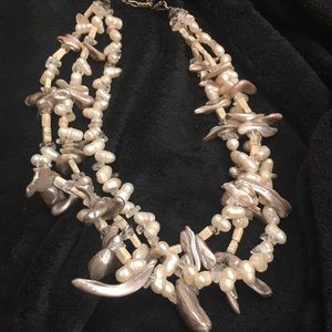 Accessories - Pearl necklace